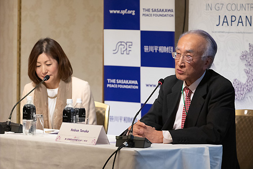 SPF Chairman Nobuo Tanaka (right) and Director of the Gender Investment and Innovation Department Mari Kogiso