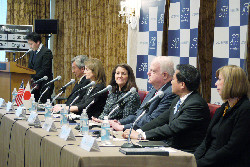 """People-to-people relations, the key to smooth Japan - U.S. relations. Time is ripe for the launch of the """"Japan - U.S. legislative exchange"""" program."""