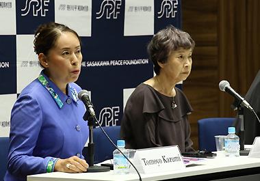 Dr. Tomoyo Kazumi (left) and Ms. Kimie Iwata