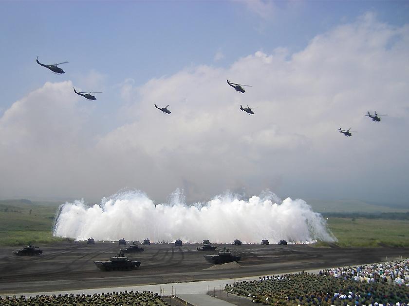 2009年、人民解放軍代表団が視察した際の富士総合火力演習