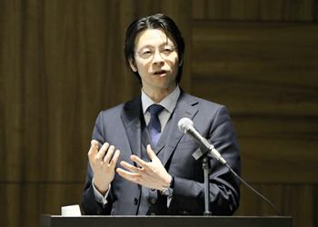 多摩大学大学院の國分俊史教授