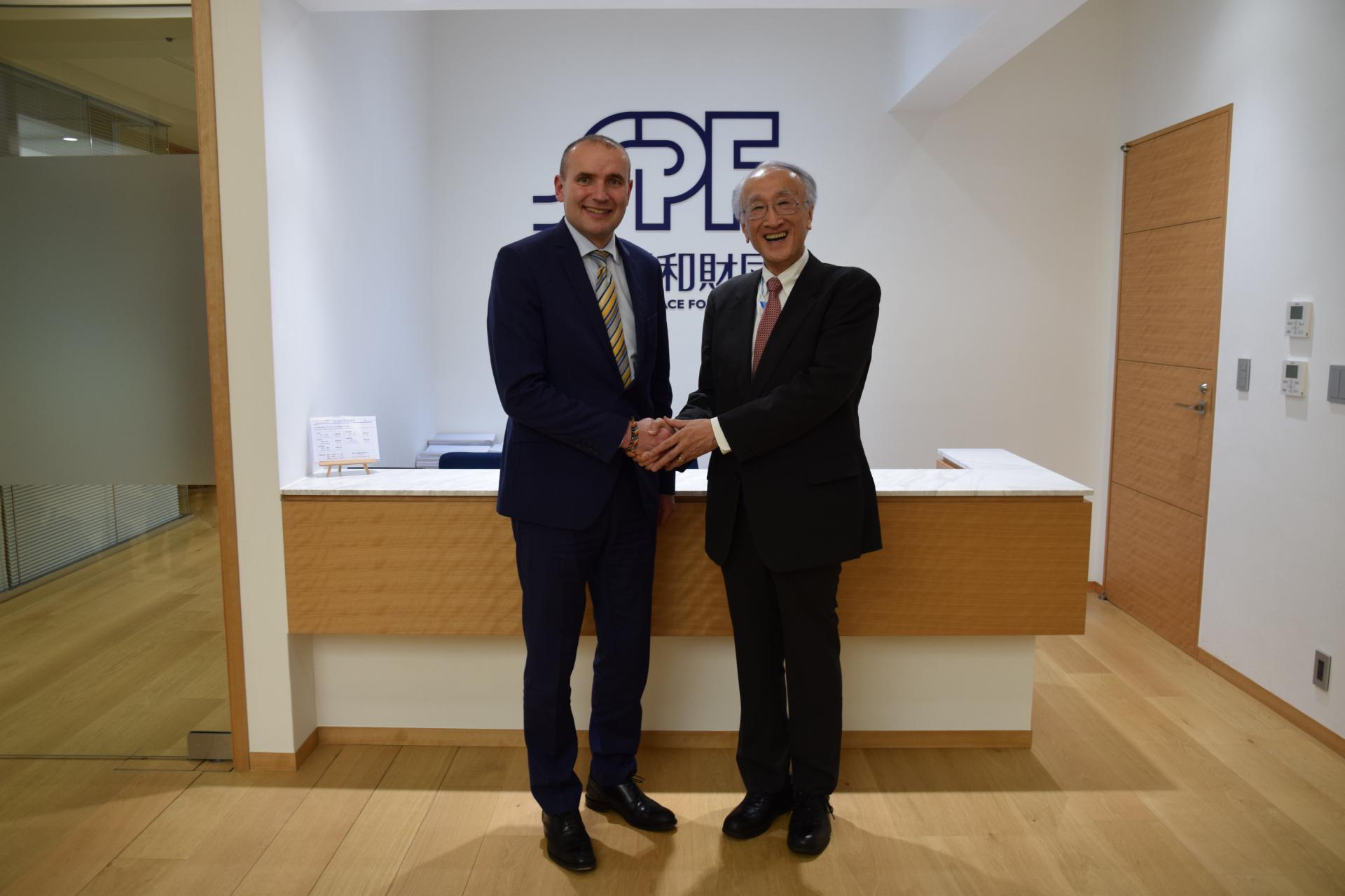 アイスランド共和国 グズニ・ヨハンネソン大統領の表敬訪問を受けました