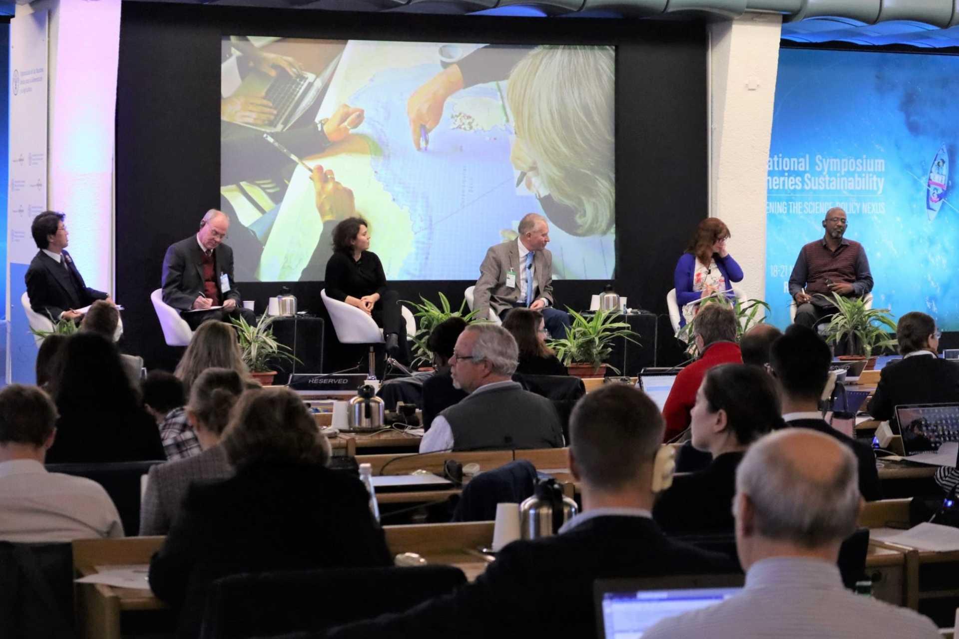 (代)「21世紀を見据えた漁業管理に関する政策の可能性」セッションの様子