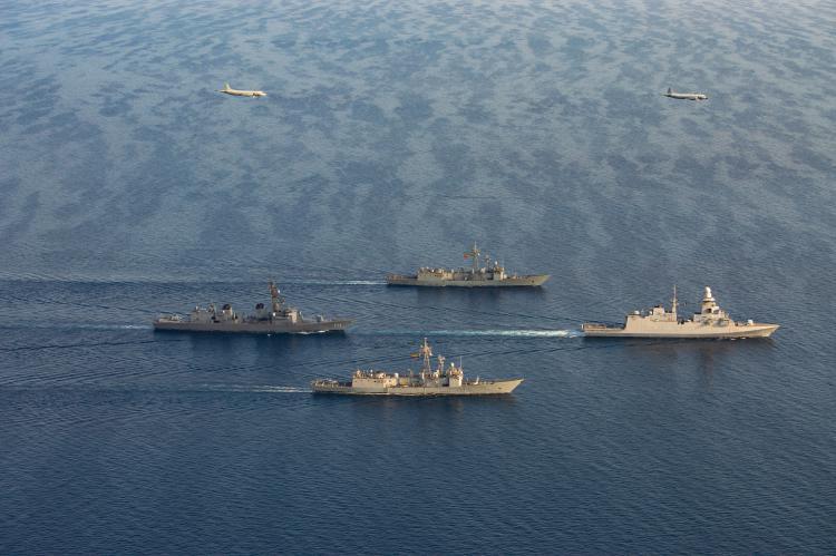 2021年10月15日、ソマリア欧州連合海軍部隊アタランタ作戦の軍艦と対潜哨戒機および日本の海上自衛隊船舶がジブチ港へ共同寄港しました