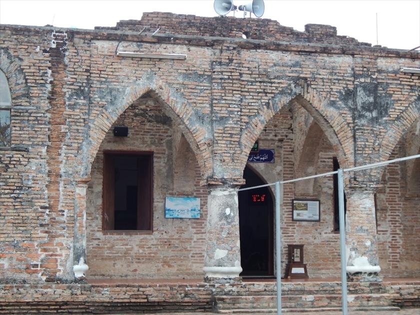 武装したイスラム教徒が立てこもり、射殺されたクルセ・モスク。 多数の弾痕が残っている