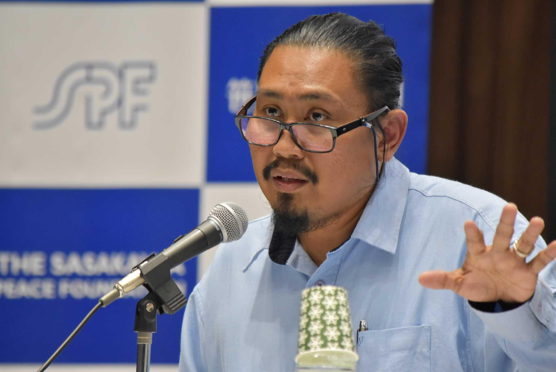 マレーシアの民主化の行方などについて語るファイザル・テヘラーニ氏