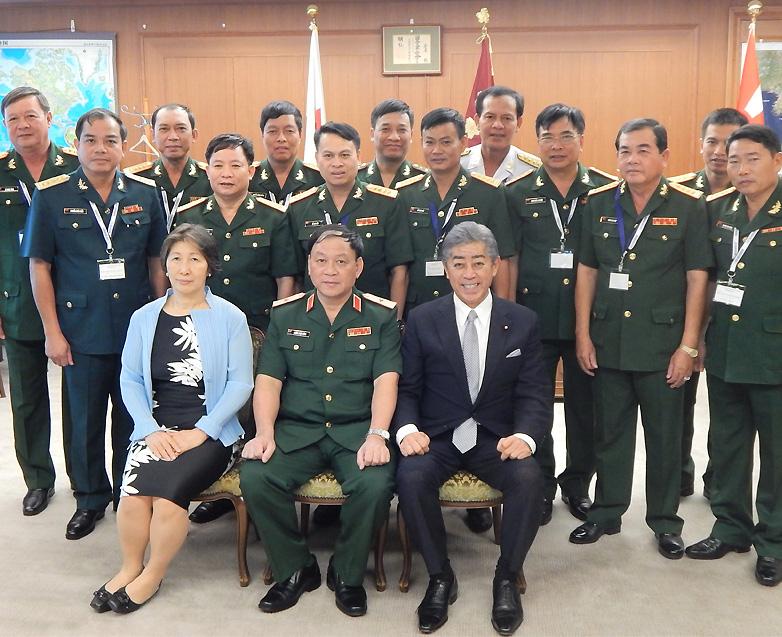「自衛隊の「即応体制」を視察 日越佐官級交流でベトナム人民軍代表団