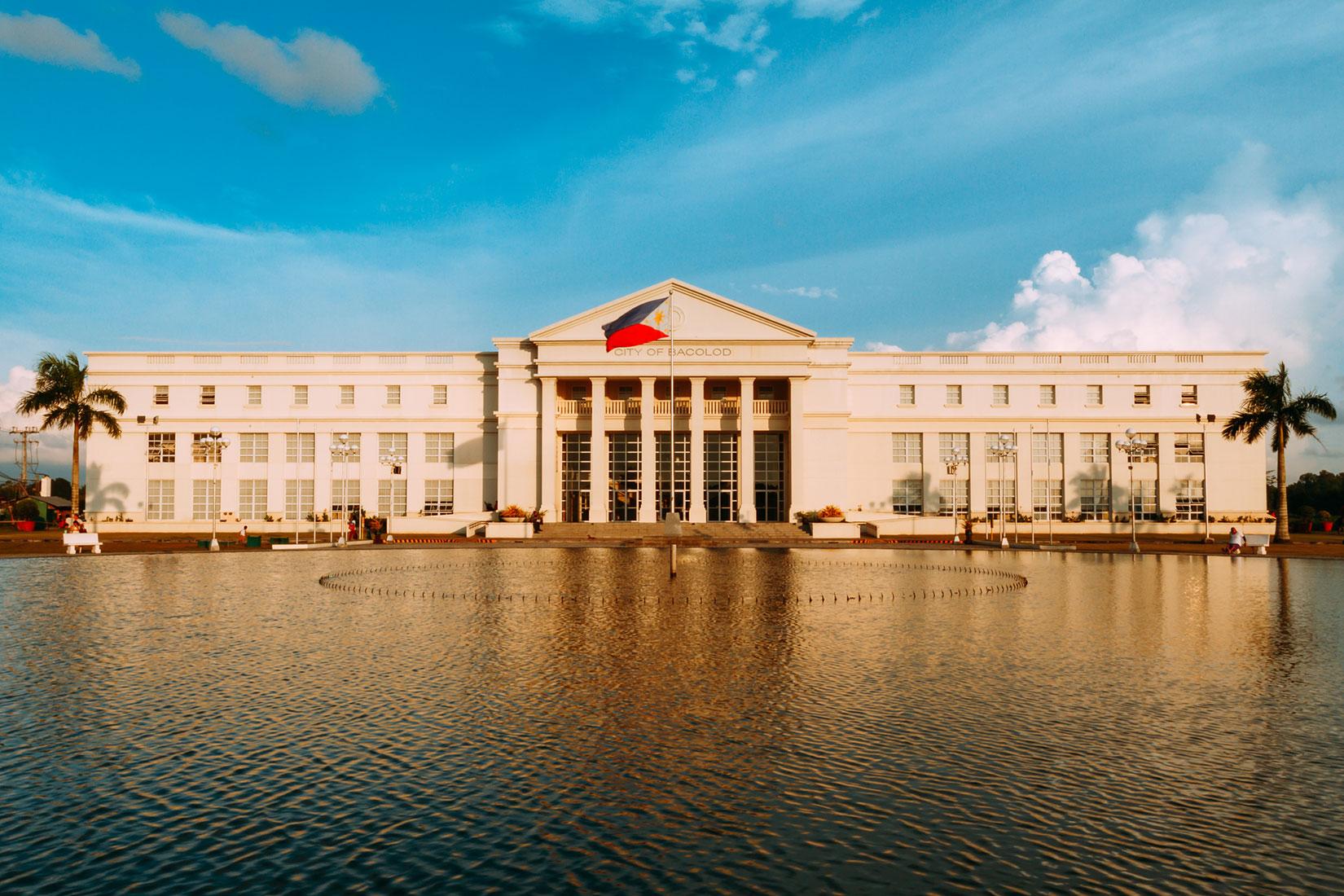 中国やアメリカとの関係を再調整するフィリピン