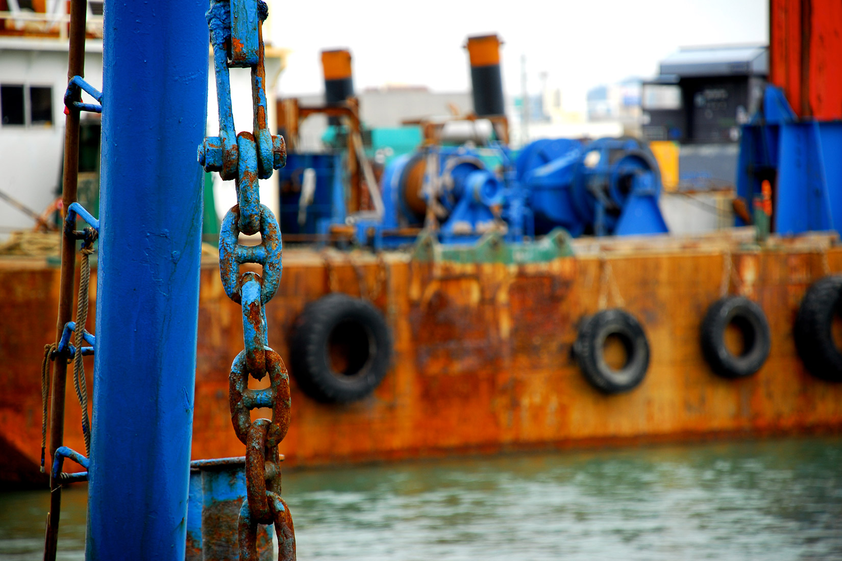 日本漁船を追跡する行為の法的評価と日本の対応