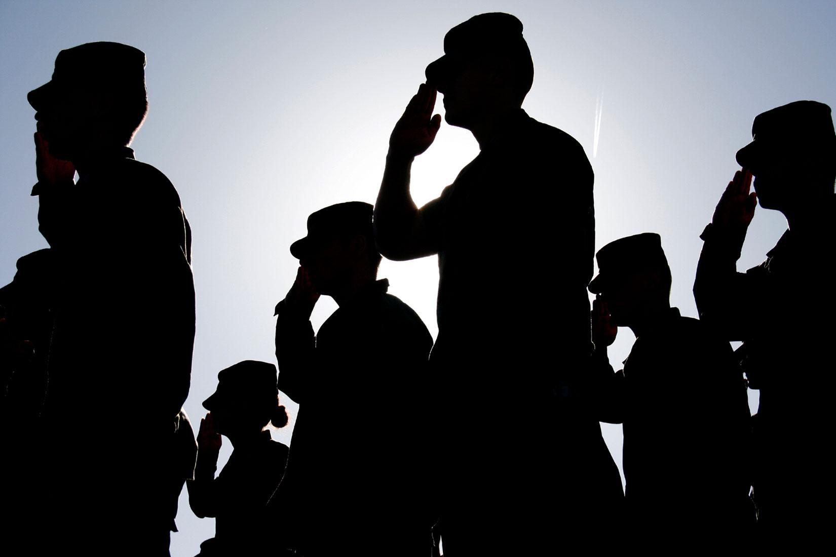認識ギャップ 「法執行機関か軍隊か」vs「法執行機関であり軍隊でもある」