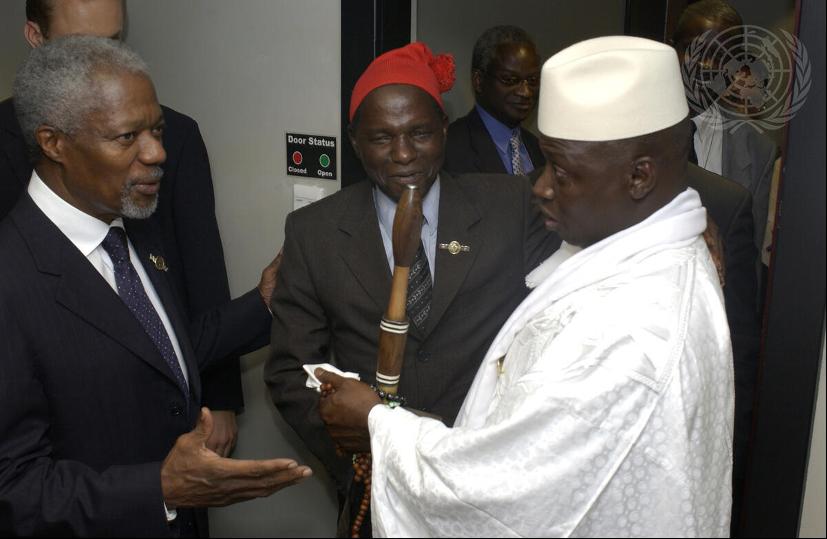 UN Photo/Eskinder Debebe AUへの改組を決めるOAU首脳会議(ダーバン)に出席したアナン国連事務総長(2002年7月8日)
